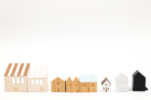 屋根の種類別の葺き替え施工単価